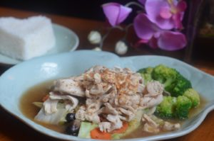 GARLIC DELIGHT choice of meat sautéed in our special garlic sauce, and served with steamed vegetables.